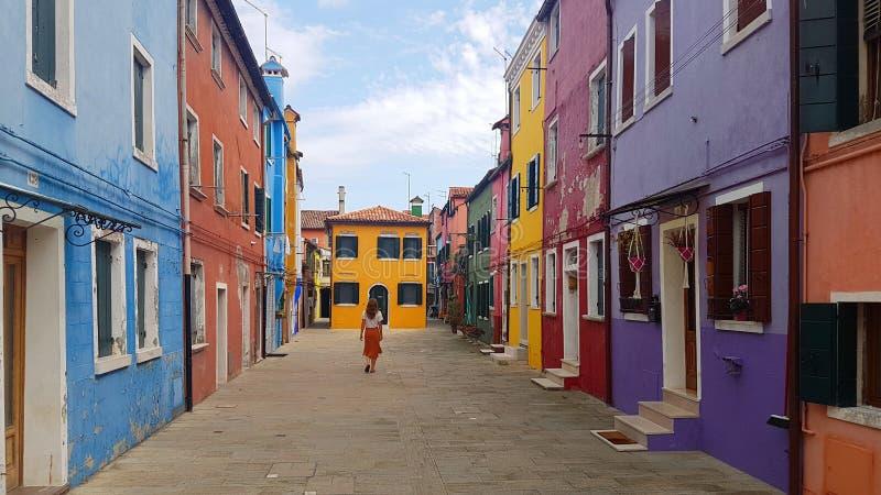 färgrika hus venice för burano arkivfoto