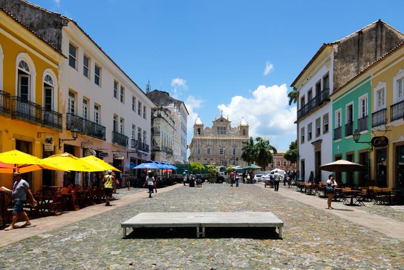 Färgrika koloniala hus på det historiska området av Pelourinho Salvadore Bahia, Brasilien royaltyfri bild