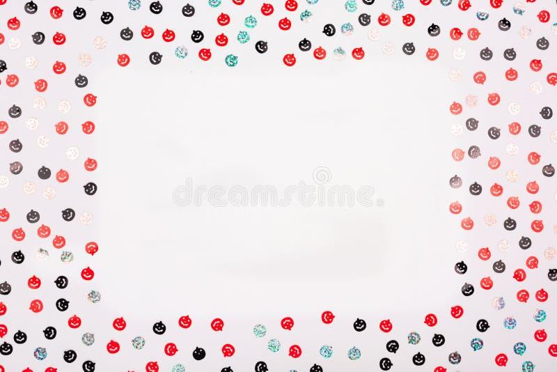Färgrika konfettier för allhelgonaafton stock illustrationer