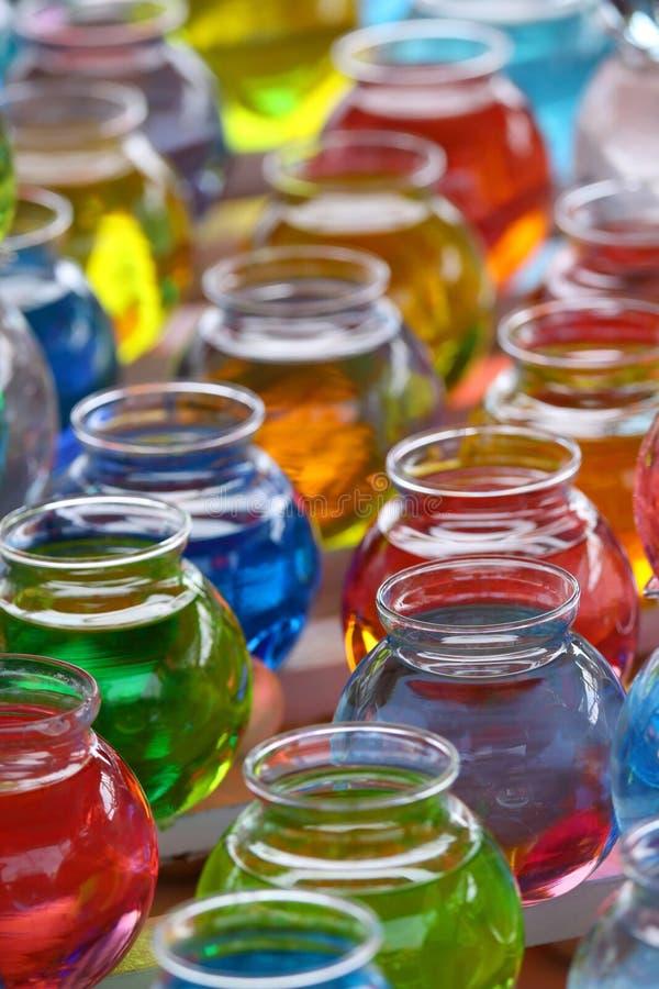 färgrika krukar fotografering för bildbyråer