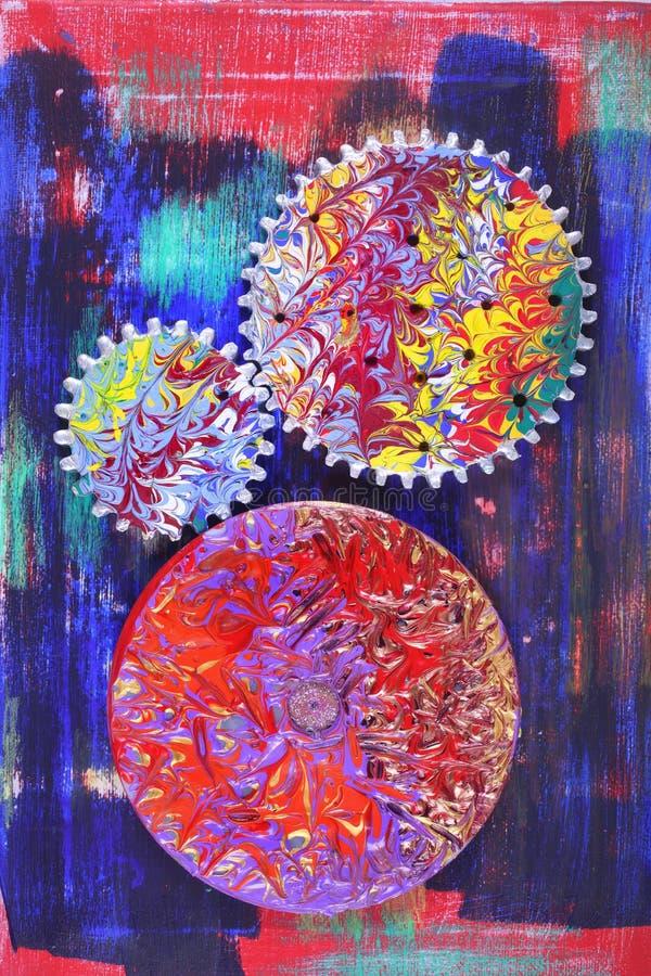 färgrika målade hjul royaltyfri foto