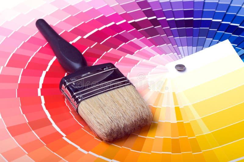 färgrika målarfärgprovkartor för färg arkivfoto
