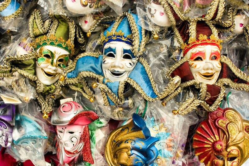 färgrika maskeringar venice för karneval arkivfoto
