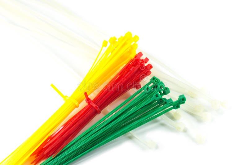 Färgrika nylonkabelkontakter fotografering för bildbyråer