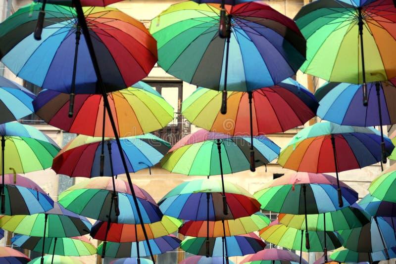 färgrika paraplyer fotografering för bildbyråer