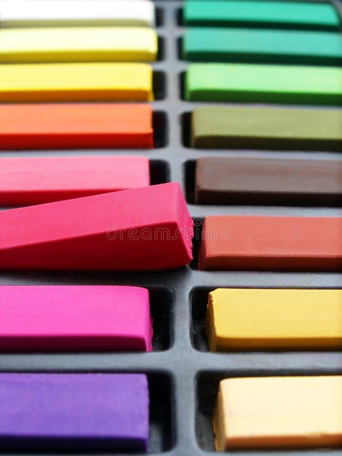 färgrika pastell för konstnärkrita royaltyfria foton