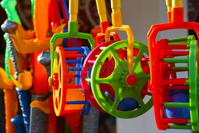 färgrika plastic toys royaltyfria foton