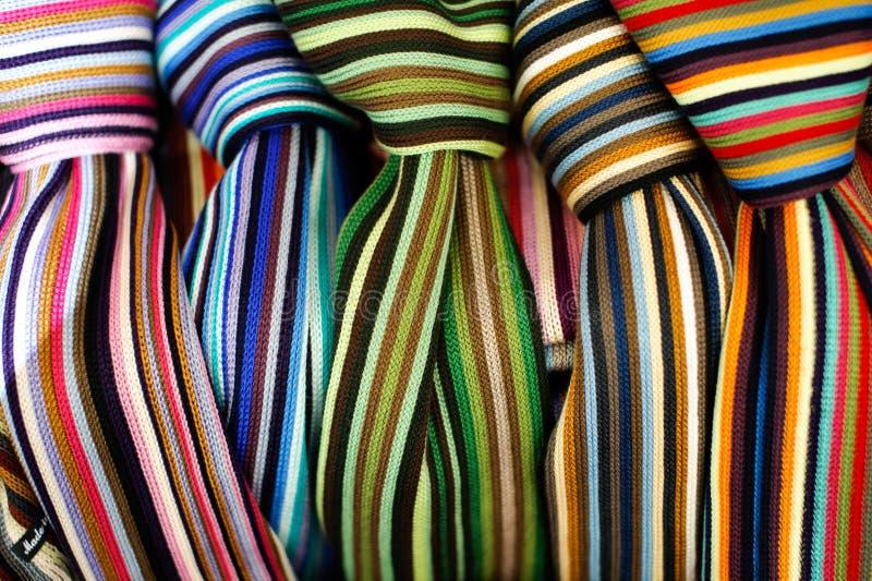 färgrika scarves royaltyfria bilder