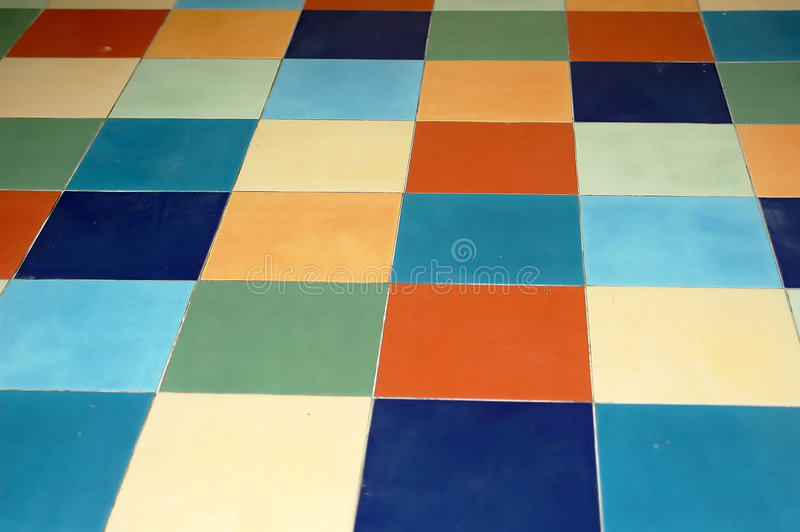 färgrika tegelplattor arkivbilder