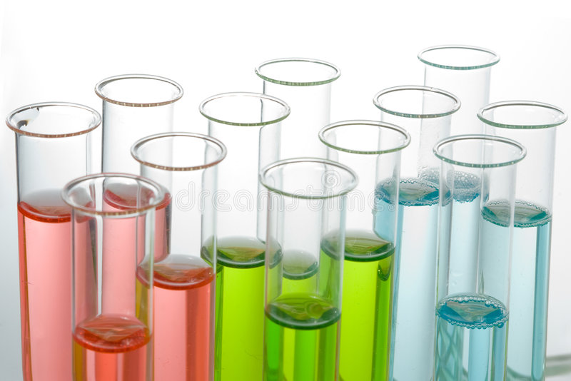 färgrika testtubes arkivbild