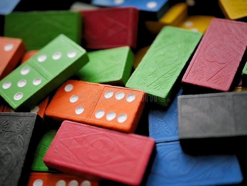 Färgrika träToy Dominoes Game royaltyfria foton