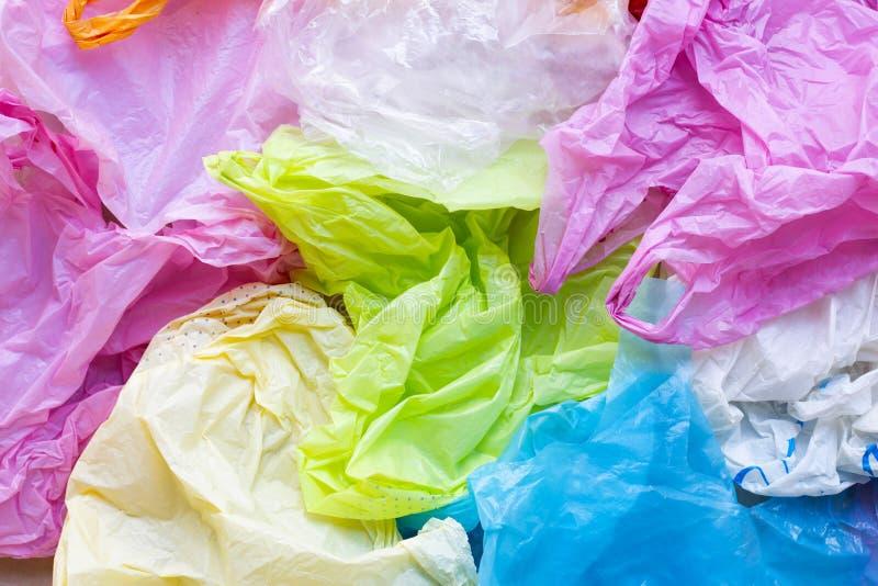 Färgrikt av plastpåsar arkivbilder