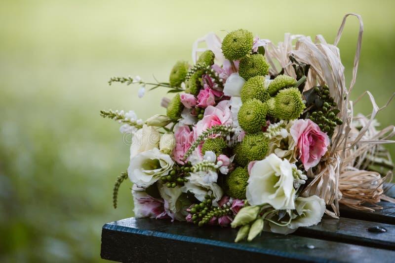 färgrikt gifta sig för blommor arkivfoton