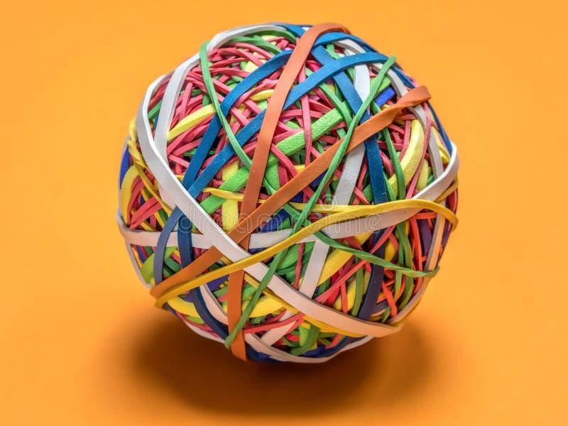 färgrikt gummi för bollband arkivfoto