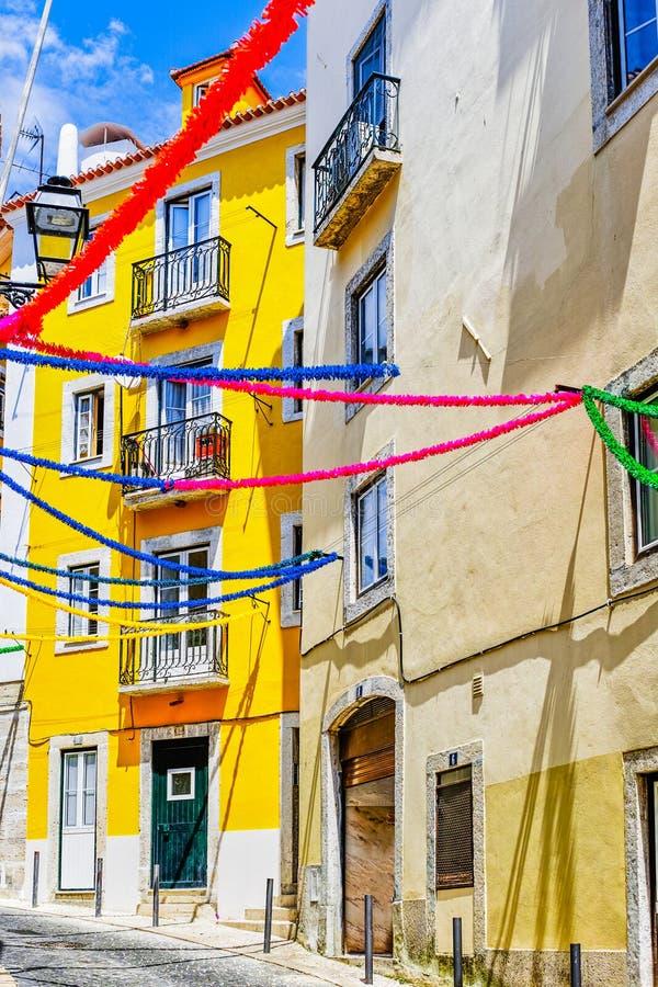 Färgrikt hus av Lissabon royaltyfria bilder