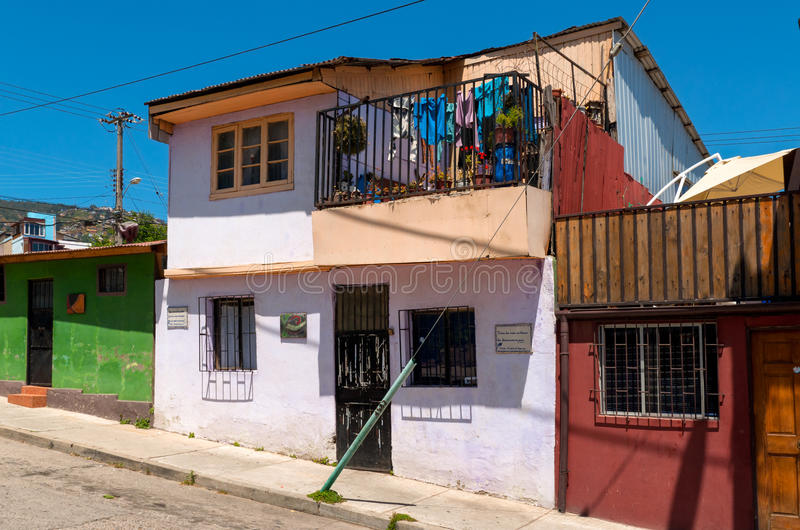 färgrikt hus valparaiso royaltyfri fotografi