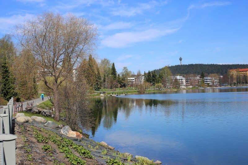 Färgrikt landskap av vår i Kuopio, Finland royaltyfri foto