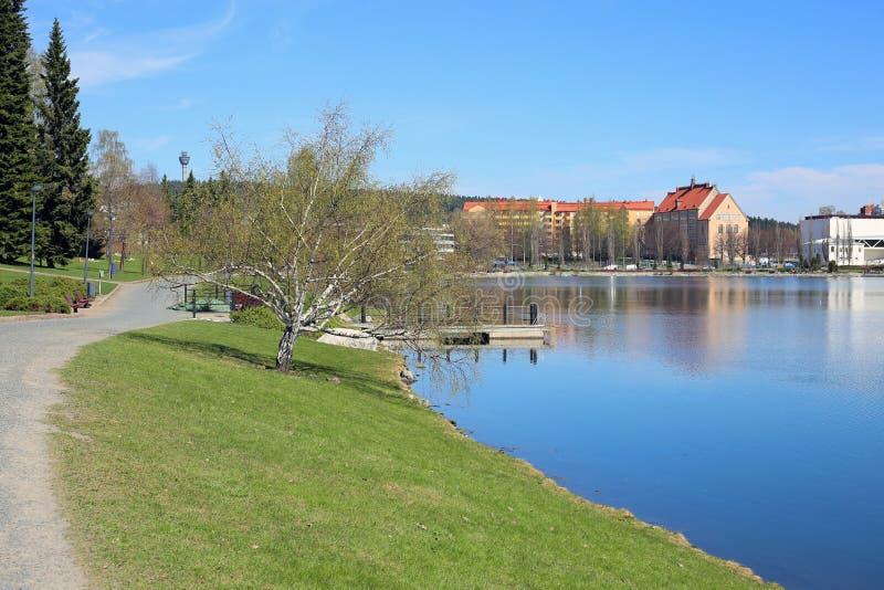 Färgrikt landskap av vår i Kuopio, Finland royaltyfri bild