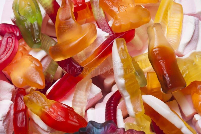 färgrikt många sötsaker arkivbilder