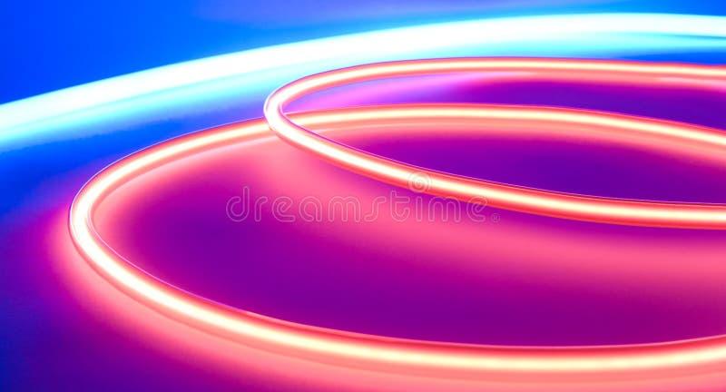 Färgrikt neon tänder royaltyfria bilder