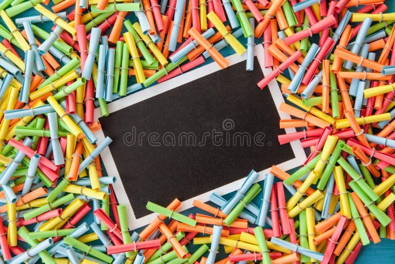 Färgrikt rufsa biljetter arkivbild