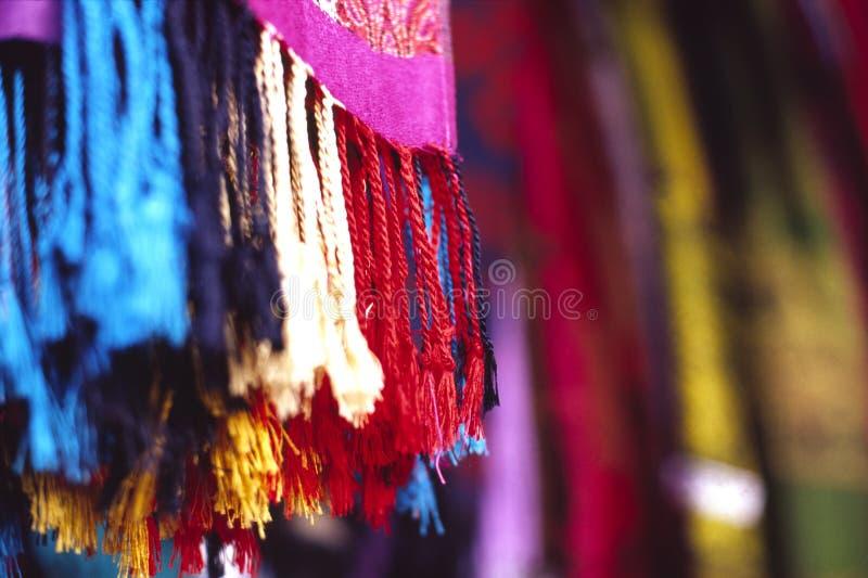 färgscarf arkivbilder