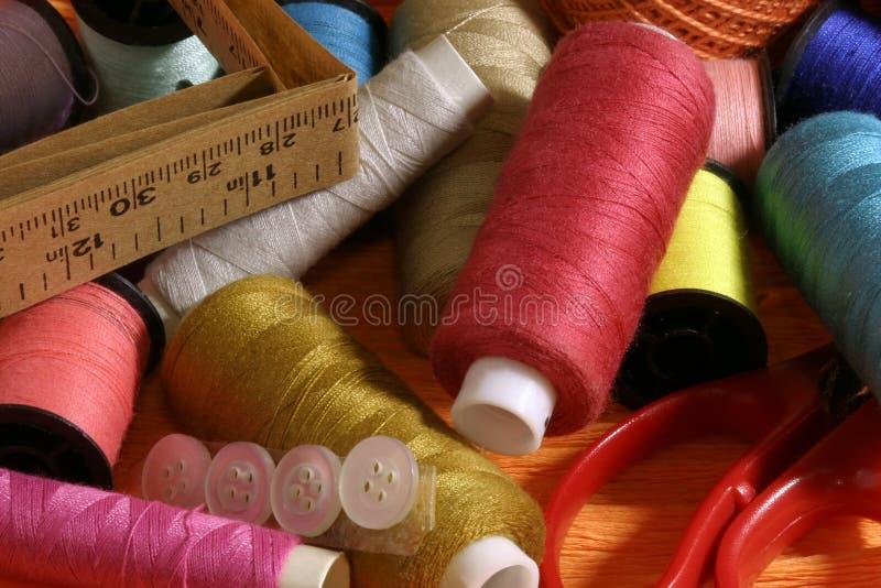färgtrådar arkivbilder