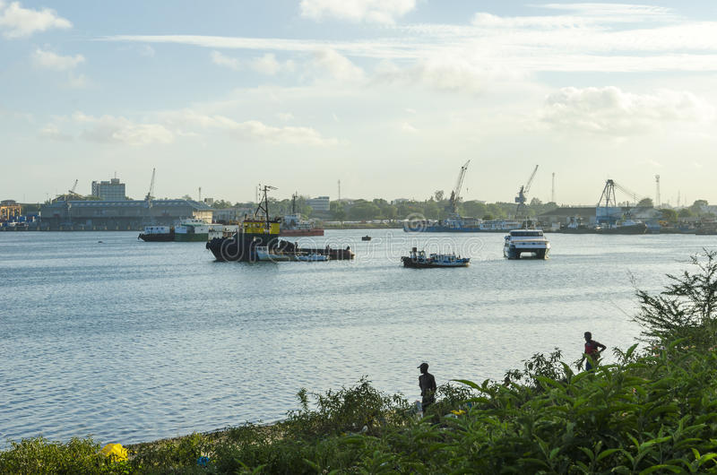 FärjatrafikKurusini liten vik Dar es Salaam arkivbild