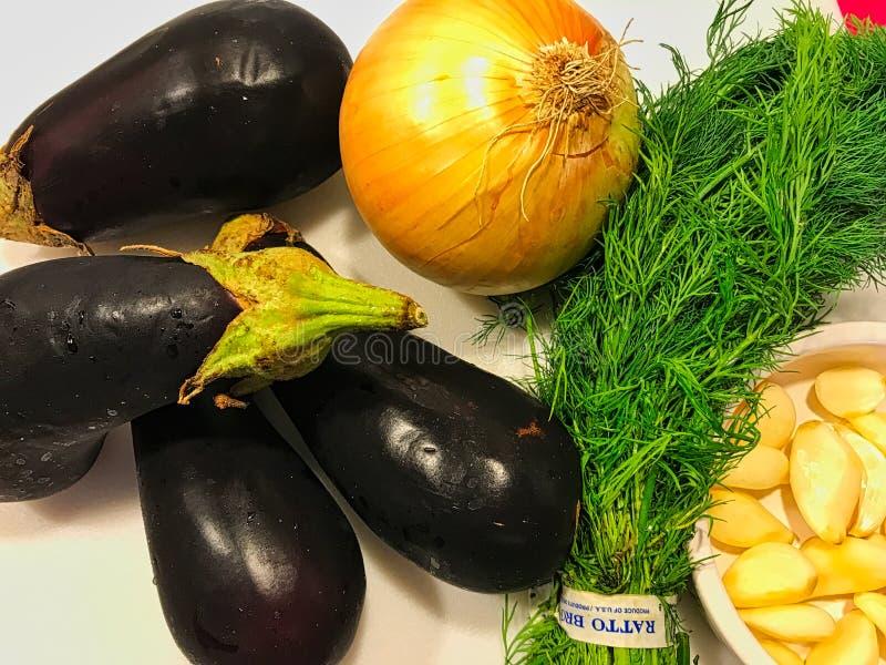 Färska sommargrönsaker arkivbilder