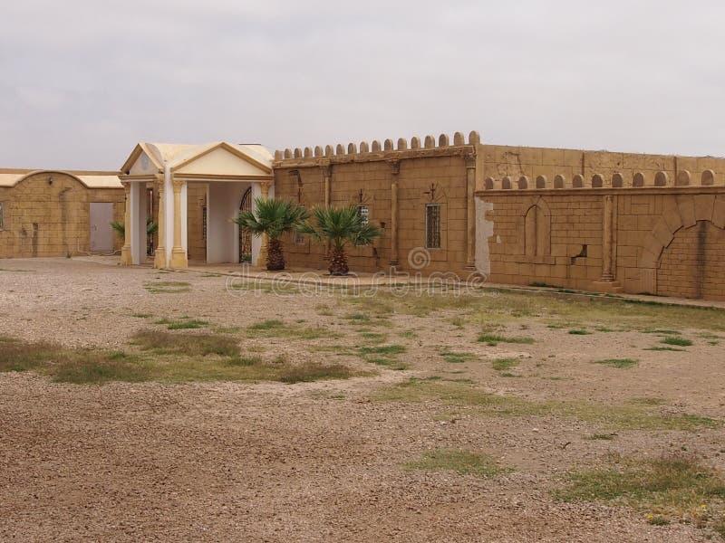 Fästning i öknen royaltyfri foto