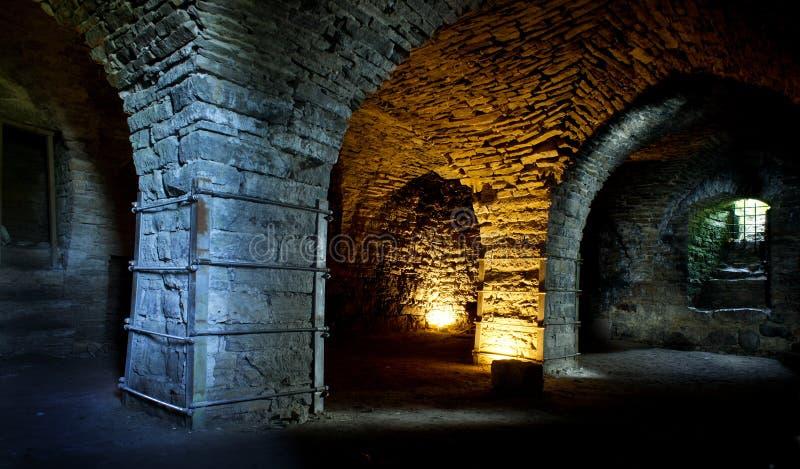 Fästning som byggs från kalksten Den gamla Maasi stenslotten fördärvar arkivbild