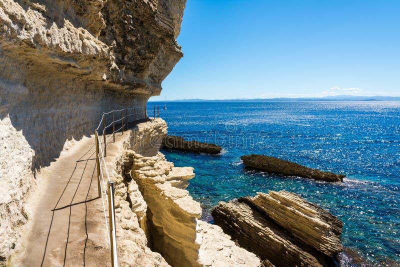 Fästningen i klippan Bonifacio arkivbilder