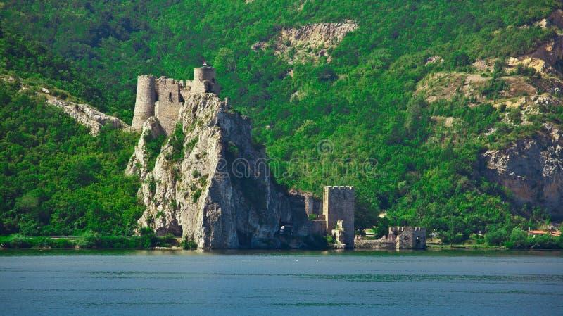 fästninggolubac royaltyfria foton
