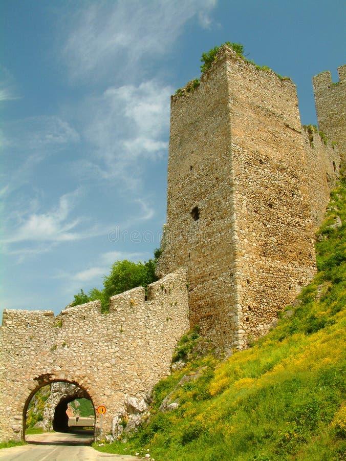 fästninggolubac serbia royaltyfri bild