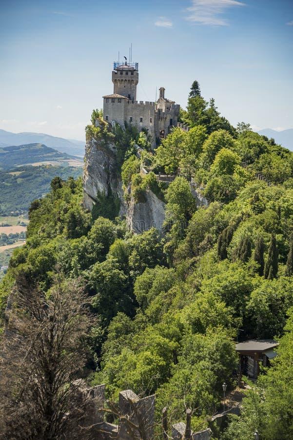 FästningRocca della Guaita i San Marino fotografering för bildbyråer