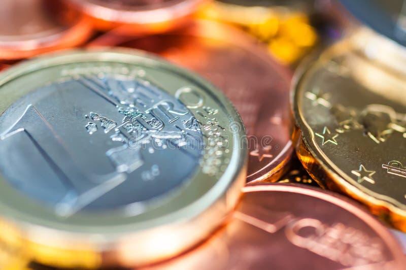 Få euromynt arkivbilder