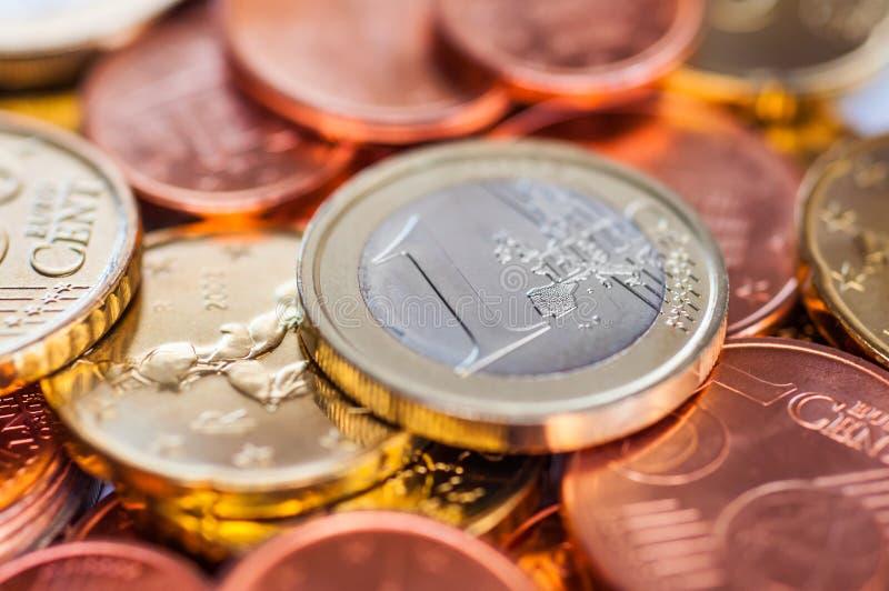 Få euromynt arkivfoto