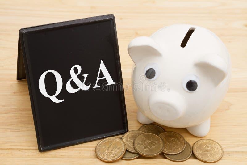 Få svar till dina pengarfrågor arkivbilder