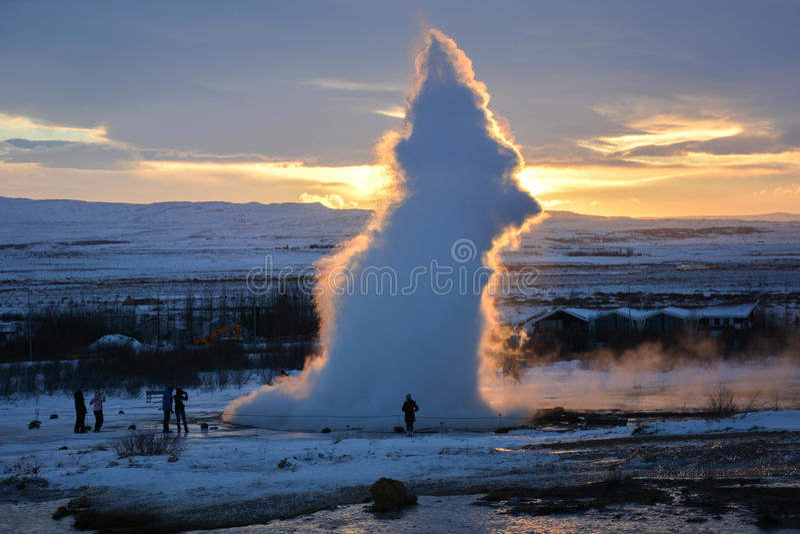 Få utbrott geyseren arkivfoto