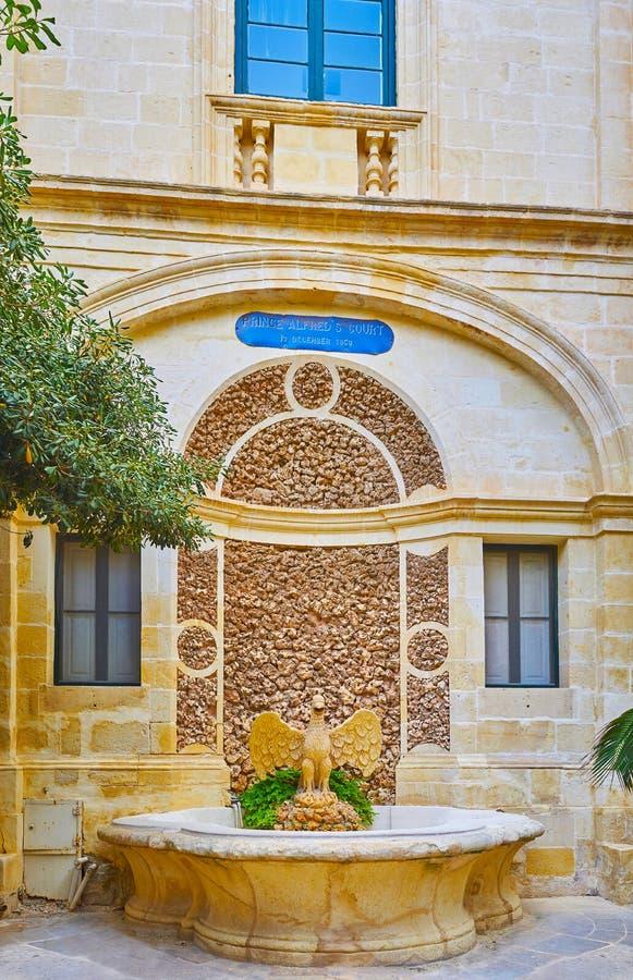Fågelspringbrunnen av stället för Grandmaster` s, Valletta, Malta arkivbild