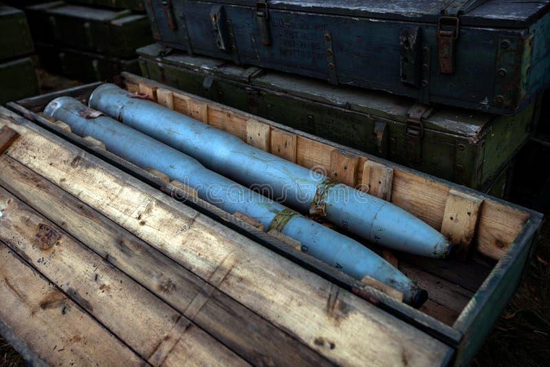 Fångade ammunitionar, krighandlingefterdyning, Ukraina och Donbass konflikt arkivfoton