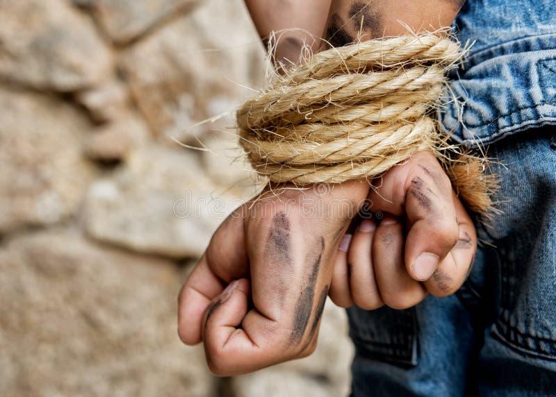 Fånge som är destinerad med repet arkivfoton