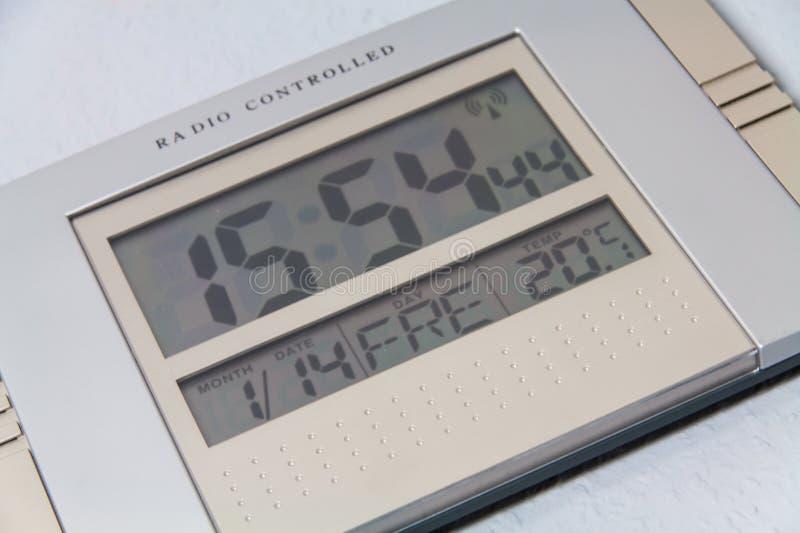 får den digitala siffrapåfyllningen för klockan bara onödigt övre för ljusdiod rakt till arkivfoton