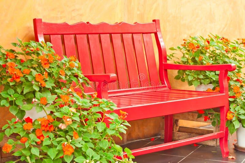 fåtöljträdgård fotografering för bildbyråer