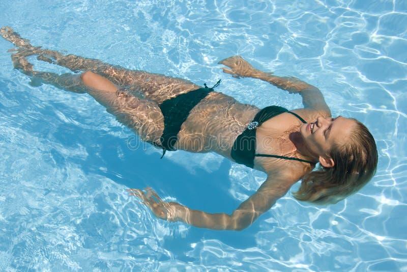 Férias de verão - piscina foto de stock