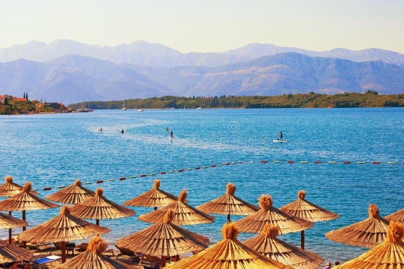 Férias de verão Vista da baía do mar de adriático de Kotor, Montenegro imagens de stock
