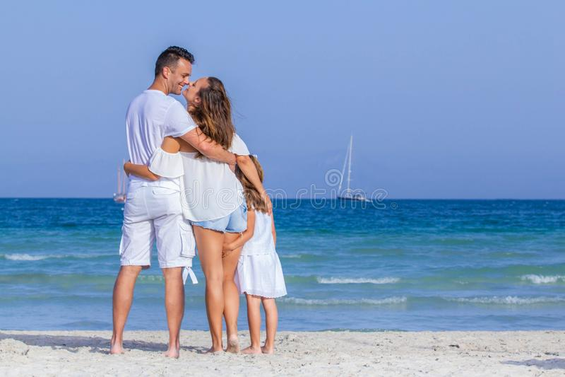 Férias em família de sorriso felizes imagem de stock royalty free