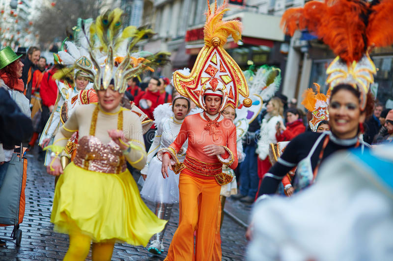 7 FÉVRIER 2016 - PARIS : Carnaval traditionnel de février à Paris, France photo stock