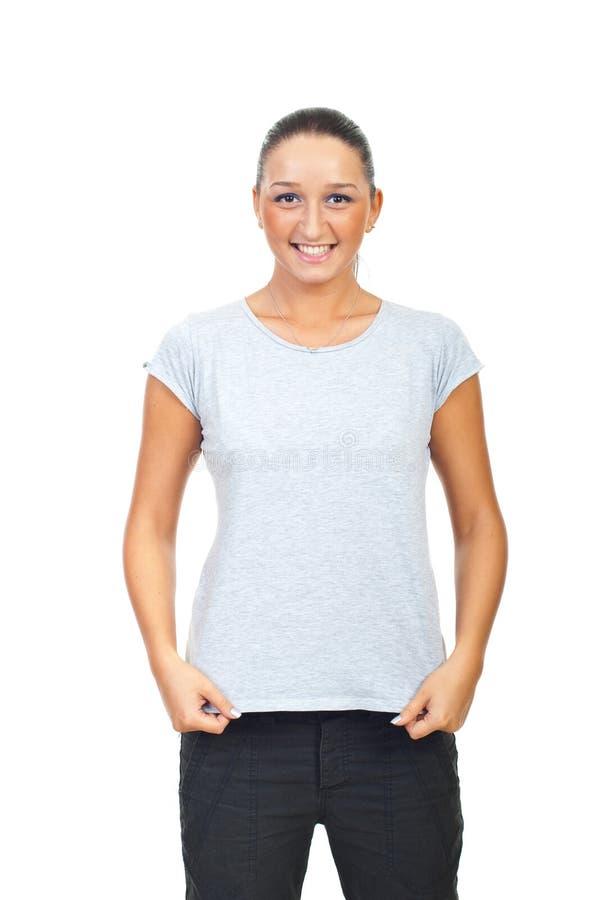 Fêmea bonito no t-shirt cinzento do algodão fotos de stock royalty free
