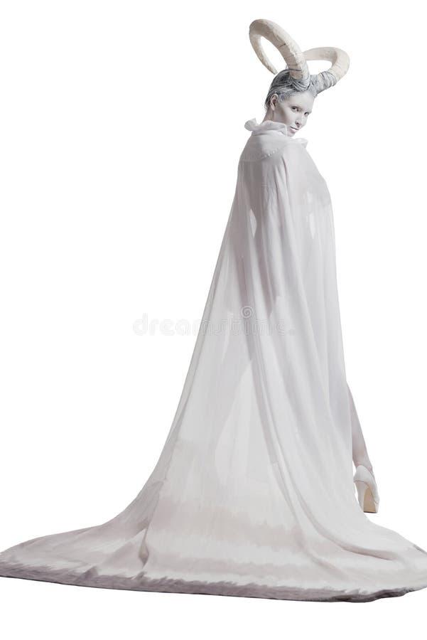 Fêmea com arte corporal da cabra imagem de stock